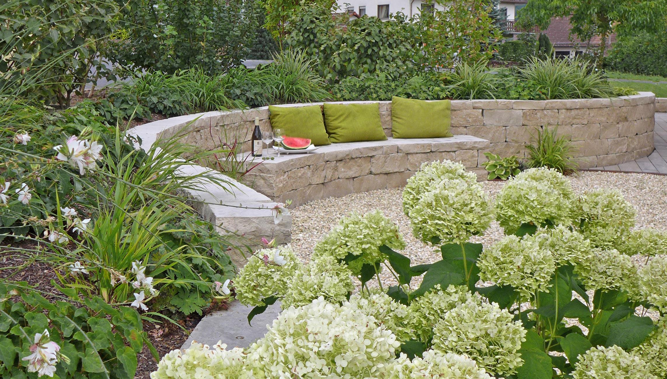 Gartengestaltung mit buchs und steinen